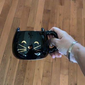 Meow chasing Lola cat mug